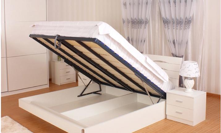 传统的木板床与现代的排骨床架多功能床的区分是十分